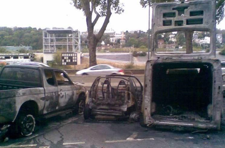 Voitures brulées - quai GG